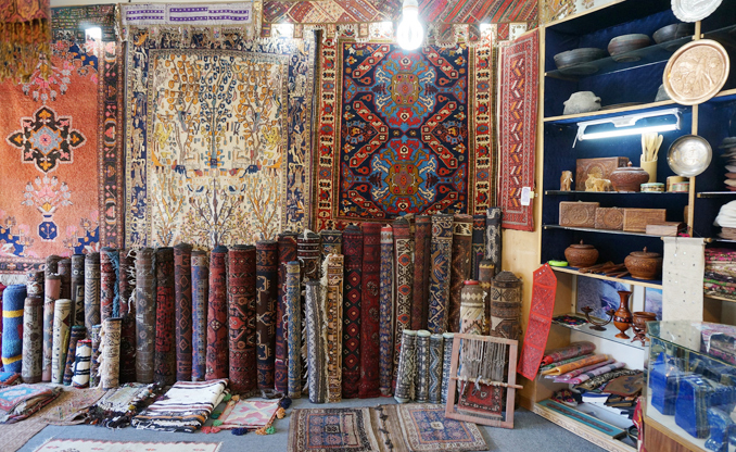 A typical handicrafts and jewelry shop in Karimabad - Traditions and Modernity of Hunza Valley