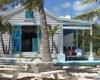 海螺小屋--特克斯和凯科斯岛的异国情调的当地餐馆