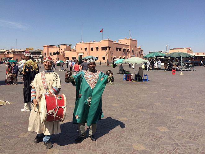 Street entertainers at Jemaa el Fna
