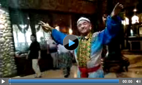 Traditional entertainment at the Mairaj Restaurant in Urumqi I